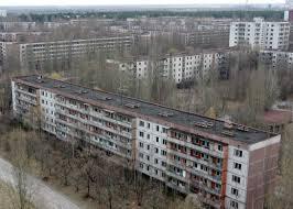 la ville fantôme de Pripyat entièrement évacuée 48 h après l'explosion